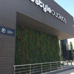 The Style Outlets Jardin vertical artificial